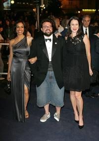 Rosario Dawson, Kevin Smith and his wife Jennifer Schwalbach Smith at the premiere of