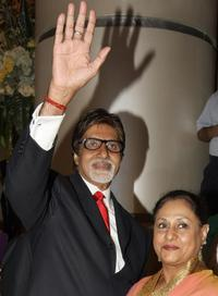 Amitabh Bachchan and Jaya Bachchan at the world premiere of