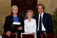 Rutger Hauer, Nora Stehouwer-van Iersel and Giovanni Terzi at the promotion of International Short Movie Festival