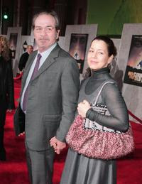 Tommy Lee Jones and his wife Dwan Jones at the premiere of