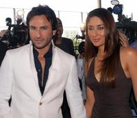 Saif Ali Khan and Kareena Kapoor at the Zee Cine film awards 2008.