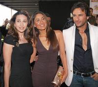 Karishma Kapoor, Kareena Kapoor and Saif Ali Khan at the Zee Cine Film Awards 2008.
