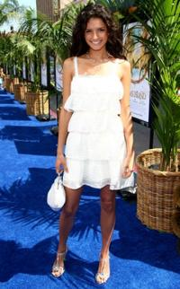 alice greczyn pictures and photos fandango