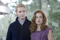 Peter Facinelli and Elizabeth Reaser in