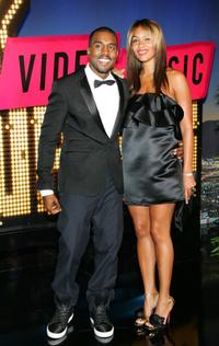 Kanye West and Alexis Phifer at the 2007 MTV Video Music Awards.