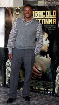 Laz Alonso at the Italian photocall of