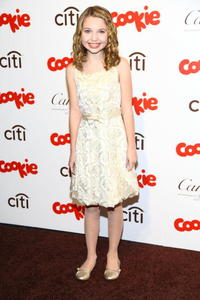 Sammi Hanratty at the 3rd Annual Smart Cookie Awards.