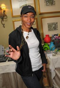 Angela Bassett at the 2008 World Experience DPA gift lounge.
