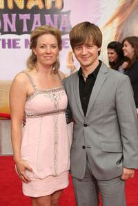 Jenny and Jason Earles at the premiere of