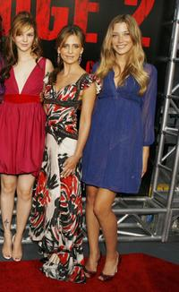 Amber Tamblyn, Sarah Michelle Gellar and Sarah Roemer at the premiere of