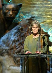 Virginia McKenna at the 18th Annual Genesis Awards, accepts an award.