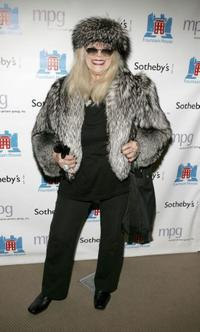 Sylvia Miles at the auction of photographer Francesco Scavullo's work benefiting Fountain House.