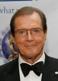 Roger Moore at the 2007 World Magic Awards.