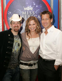 Kristian Bush, Jennifer Nettles and James Denton at the Miss America 2006 TCA Party.
