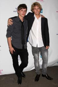 Xavier Samuel and Lachlan Buchanan at the premiere of