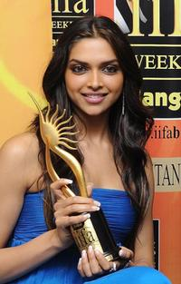 Deepika Padukone at the International Indian Film Academy (IIFA) Awards 2008 ceremony.
