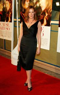 Elizabeth Perkins at the world premiere of