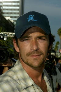 Luke Perry at the world premiere of