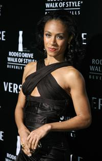 Jada Pinkett Smith at the Rodeo Drive Walk of Style Award.