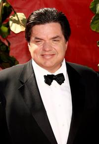 Oliver Platt at the 58th Annual Primetime Emmy Awards.