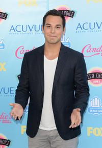 Skylar Astin at the 2013 Teen Choice Awards.