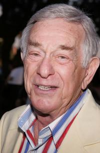 Shelley Berman at the premiere of HBO's new drama series 'Rome'.