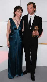 Juliette Binoche and Jude Law at the 32nd Cesars film awards ceremony, during a photo call.