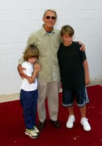 Roy Scheider and his children east coast premiere of Men In Black II.
