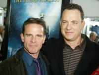 Peter Scolari and Tom Hanks at the premiere of