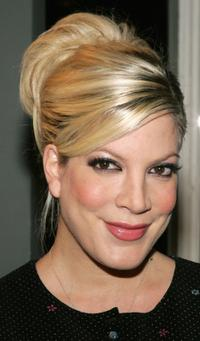 Tori Spelling at the signing copies of ''So NoTORIous - The Complete Season.