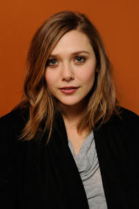 Elizabeth Olsen at the portrait session of