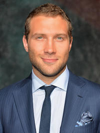 Jai Courtney attends the dedication and unveiling of a new soundstage mural celebrating 25 years of