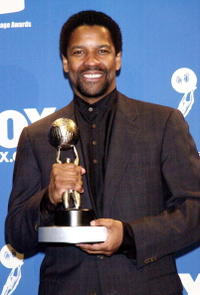 Denzel Washington at the 31st NAACP Image Awards in Pasadena, California.