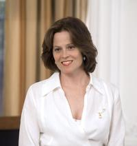 Sigourney Weaver as Chaffee Bicknell in
