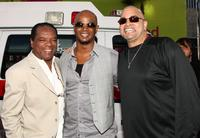 John Witherspoon, Damon Wayans and Sinbad at the premiere of