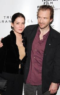 Lara Flynn Boyle and Ralph Fiennes at the press conference during the 5th Annual Tribeca Film Festival, for the film
