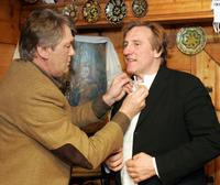 Gerard Depardieu and Viktor Yushchenko at his country home in Bezrodichi.