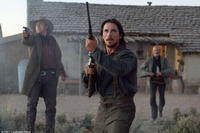 Tucker (Kevin Durand), Dan Evans (Christian Bale) and Byron McElroy (Peter Fonda) in