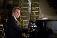 Dustin Hoffman as Harvey Shine in