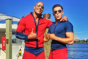 Check Out Zac Efron's Giant Muscles in First 'Baywatch' Image
