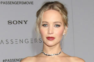 News Briefs: Jennifer Lawrence's 'mother!' Arriving Soon