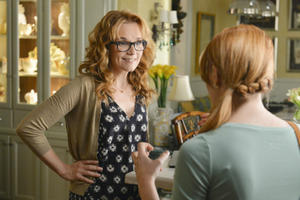 News Briefs: Lea Thompson to Lead New 'Little Women'