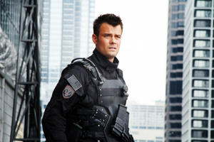 News Briefs: Josh Duhamel Returning for 'Transformers: The Last Knight'