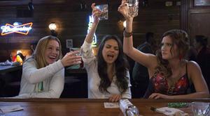 Watch Mila Kunis, Kristen Bell and Kathryn Hahn in Raunchy 'Bad Moms' Trailer