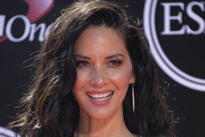 Olivia Munn to Star As Scientist in Shane Black's 'The Predator'