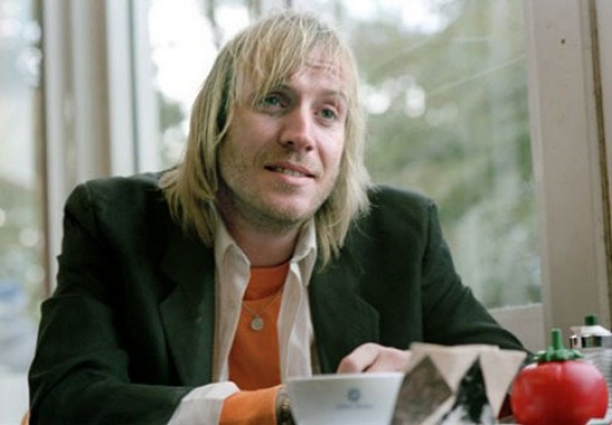 rhys ifans Comic Con/Controversy: Amazing Spider Man Star Rhys Ifans Arrested After Panel