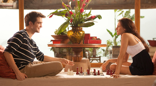 breaking dawn photo still edward bella chess The Twilight Saga: Breaking Dawn Countdown: Look Out Los Angeles, the Campers Are Coming Back
