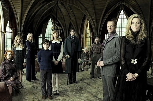 Shadows Tim Burton Tries to Make Amends with Fans with New (Official) Dark Shadows Pics