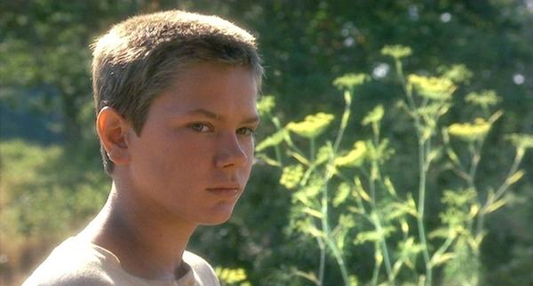 River in Stand By Me river phoenix 445558 600 322 River Phoenixs Last Film, Dark Blood, May Finally Hit Theaters in 2012