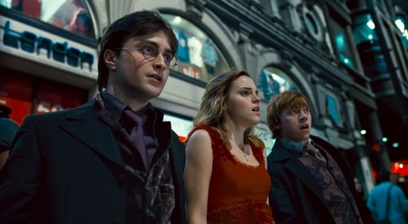 harry potter and the deathly hallows part 1 movie photo 49 One Year Ago: Catching Up with Deathly Hallows Part 1, The Next Three Days, and More